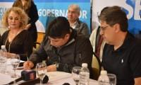 """Buscando darle valor agregado a la minería, Claudio Vidal presentó su """"Compromiso por el trabajo"""""""