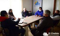 El Chaltén: intendencia y Cámara de Comercio analizaron situación local